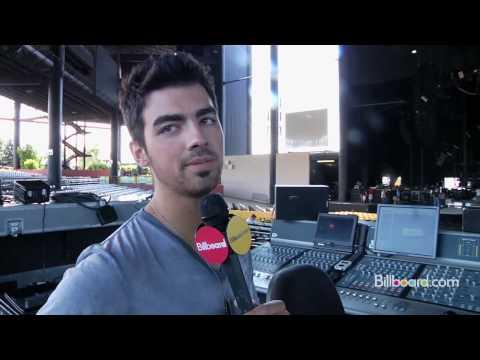 Jonas Brothers Backstage Tour - 2010 Kickoff Concert!
