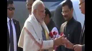 PM Modi reaches Gujarat for roadshow with Israel Prime Minister - ABPNEWSTV