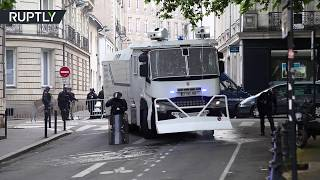 Anti-Macron rally: Water cannons deployed against protesters in Nantes - RUSSIATODAY