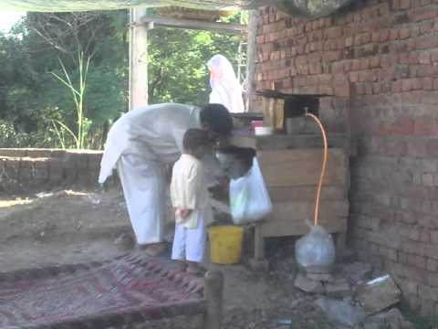 Village Tara Garh Khurd Gujrat Punjab, Pakistan NEW 19-10-2011, 4.mp4
