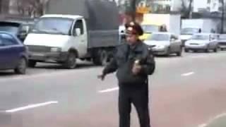 Pijany policjant w Rosji