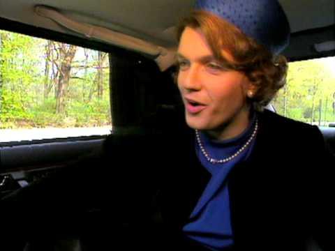 Hape Kerkeling als Königin Beatrix