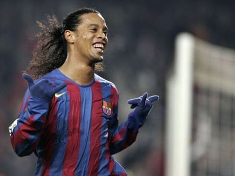 Ronaldinho-Barcelona-Skills And Smile!!!.