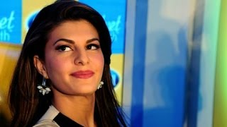 Jacqueline Launched Scholl Velvet Smooth Express Pedi Electronic Foot File In Mumbai - THECINECURRY