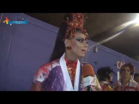 Carnaval 2015 || Viviane Araújo comemora 20 anos de Sapucaí desfilando pelo Salgueiro