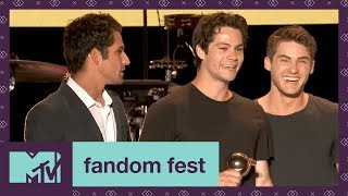 Teen Wolf Cast Accepts Fandom Icon | Fandom Fest 2017 | MTV - MTV