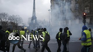 Angry protestors take to the streets in Paris again - ABCNEWS