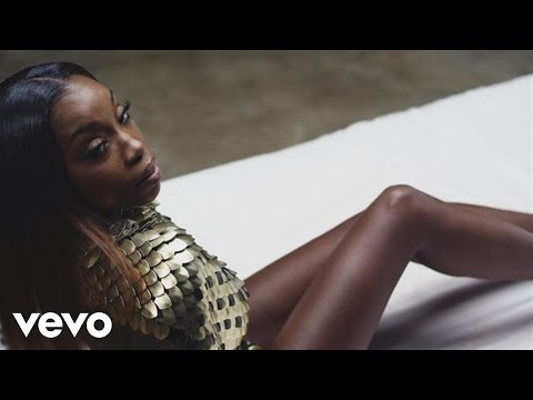 "Estelle ""Make Her Say (Beat It Up)"" Video"