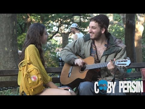 Homeless Man Picks Up Girls With Amazing Voice! - اتفرج تيوب