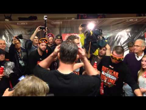 "Vogelsong leads Giants in ""YES! YES! YES!"" chant"