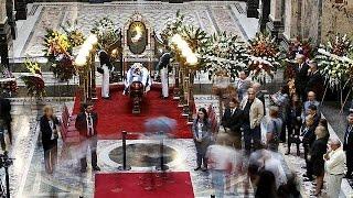 المثقفون والسياسيون في حفل تأبين إدواردو غاليانو