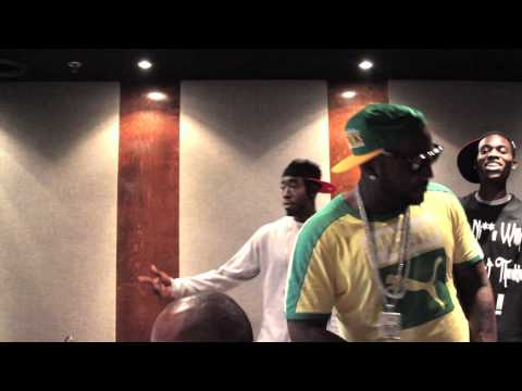Young Jeezy - Run D MC ft. Freddie Gibbs (In Studio)