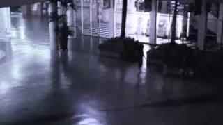 Video CCTV objek aneh yang jatuh di kawasan Citos dan jangan lupa WOW...nya.. :)