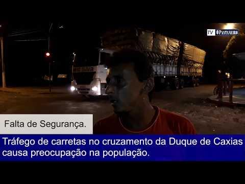 Tráfego de carretas no cruzamento da Duque de Caxias causa preocupação na população.
