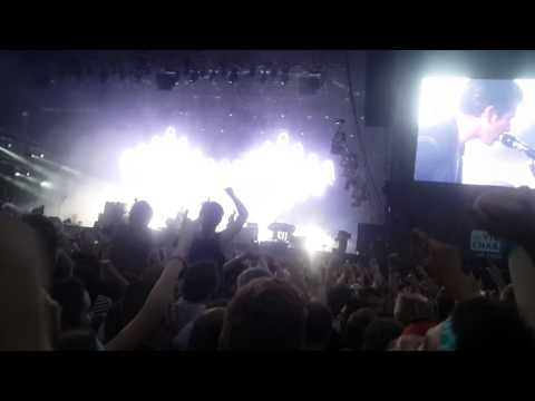 Arctic Monkeys - Dancing Shoes - Vieilles Charrues 2014