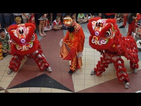 OLD SCHOOL LIONS in RED - 2014 Traditional Lion Dance Routine