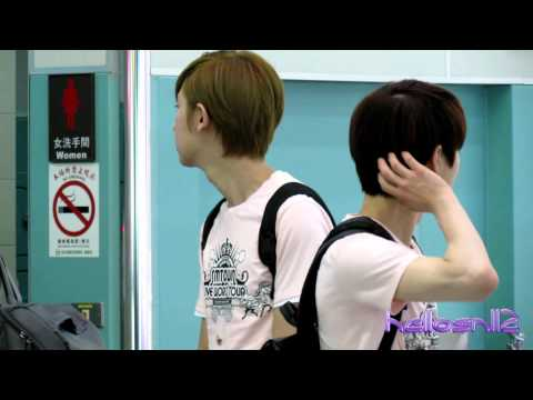 120610 EXO-K ChanYeol, Kai, Suho@Boarding Gate of Taiwan Taoyuan International Airport