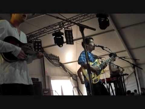 Local Natives - Airplane Levis Fader Fort.wmv