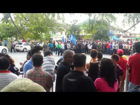 Violent BN Supporters in Bukit Tinggi Klang