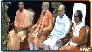 Ganga Aarti at Dashashwamedh Ghat: PM Modi seeks divine blessings in Kashi - INDIATV