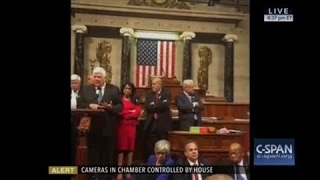 Democrats Use Smartphone Apps To Broadcast Sit-In - WSJDIGITALNETWORK