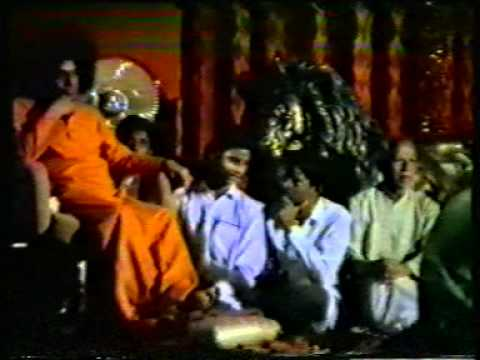 BHIMSEN JOSHI PERFORMS FOR BHAGAWAN SRI SATHYA SAI BABA  SUMMER COURSE 1970'S  VERY RARE