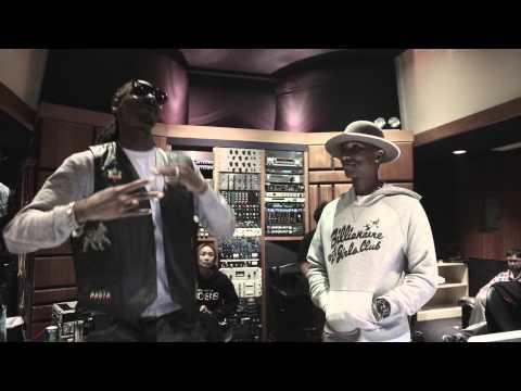 Snoop Dogg - Snoop Dogg Feat. Pharrell