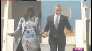 US President Barack Obama along with wife Michelle Obama arrives in India - TIMESNOWONLINE