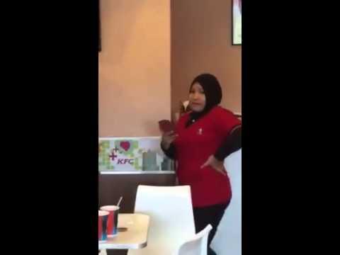 Pekerja KFC Taman Putra Menunjuk Isyarat Lucah