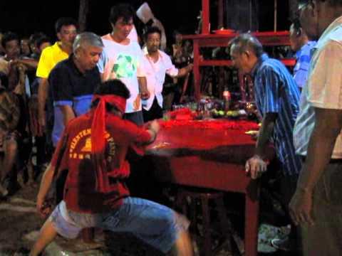 Acara Tatung di Pulau Bangka.
