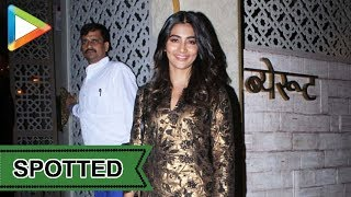 SPOTTED: Pooja Hedge at Restaurant in Juhu - HUNGAMA