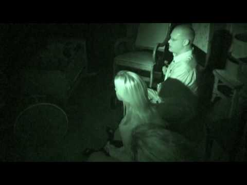 Kellie Pickler on a Ghost Hunt