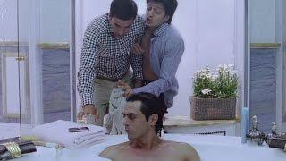 Akshay Kumar & Riteish Deshmukh's naughty act - EROSENTERTAINMENT