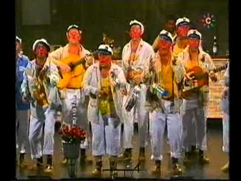 Sesión de Semifinales, la agrupación La vieja trova viñera actúa hoy en la modalidad de Chirigotas.
