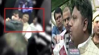 On cam: Scuffle inside Delhi Secretariat - TIMESOFINDIACHANNEL