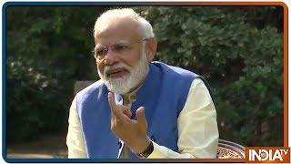 Twinkle जी Twitter से सारा गुस्सा मुझपर निकाल देती हैं, आप बच जाते होंगे - PM Modi Jokes With Akshay - INDIATV
