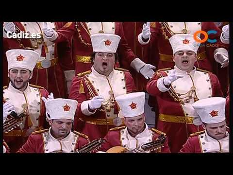 La agrupación Agua tapá llega al COAC 2014 en la modalidad de Coros. En años anteriores (2013) concursaron en el Teatro Falla como Los que viven como reyes, consiguiendo una clasificación en el concurso de Preliminares.