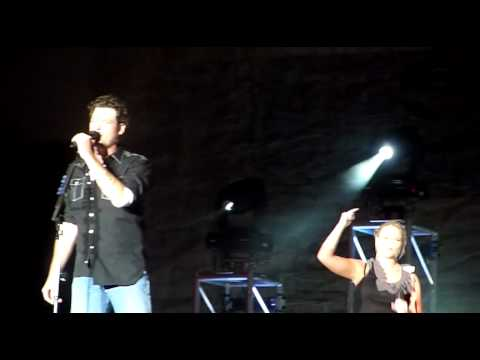 2010: Blake Shelton Performing Hillbilly Bone Live with Miranda Lambert @ Colorado State Fair