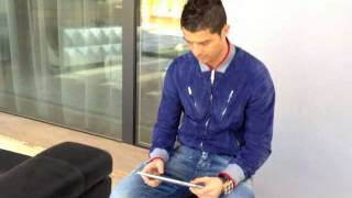 Cristiano Ronaldo playing Freestyle on iPad