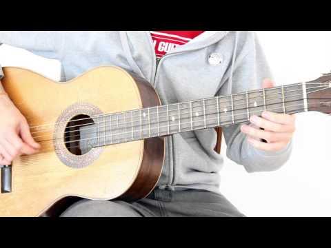 Como mezclar solos fáciles y ritmo con acordes en un blues con guitarra acústica