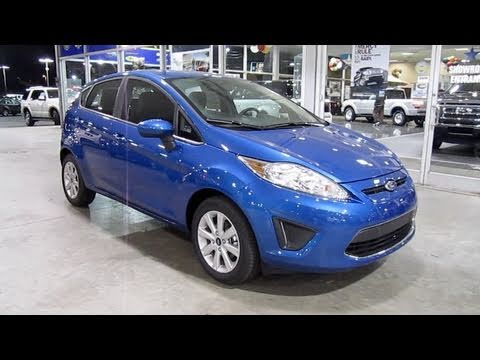 2011 Ford Fiesta SE Hatchback Start Up, Engine, and In Depth Tour