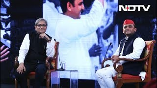 #NDTVYUVA: देश को बचाने के लिए आरएसएस से दूर रहना जरूरी - अखिलेश यादव - NDTVINDIA
