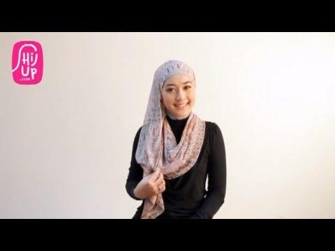 Hijab Style Tutorial 16 by HijUp.com