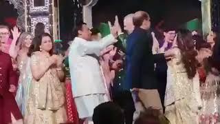 Isha-Piramal Wedding: आनंद पीरामल की बारात में जमकर नाचे फ़िल्मी सितारों - ITVNEWSINDIA