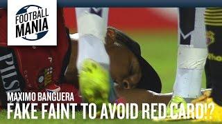 شاهد.. حارس برشلونة يدعي الموت تجنبًا للبطاقة الحمراء