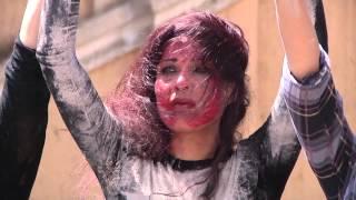 بالفيديو.. شاهد إعادة تمثيل لعملية سحل وقتل فتاة أفغانية