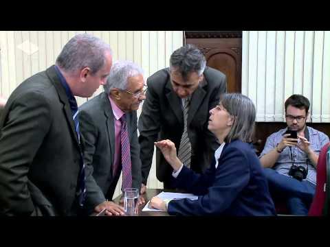 Unesp Notícias - 16/12/2014 - Faria Neto vence disputa apertada por presidência da Câmara - M