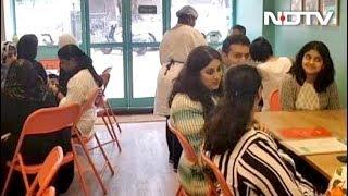 मुम्बई में दिव्यांग चला रहे हैं 'कैफ़े अर्पण' रेस्टोरेंट - NDTVINDIA