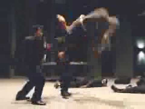 Tom Yum Goong - The Protector - fight scene