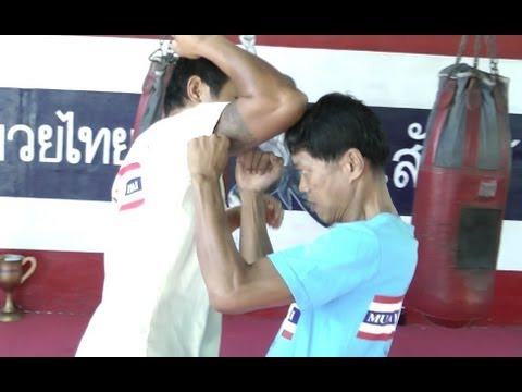 Muay Thai Elbow Techniques - Elbow Chop